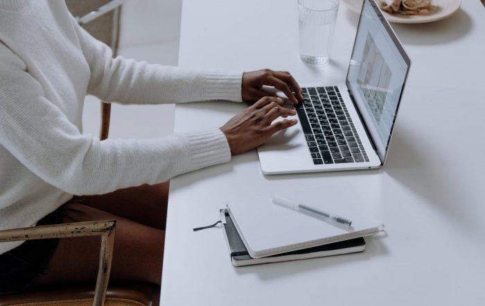Comment assurer son véhicule en ligne avec Certinity